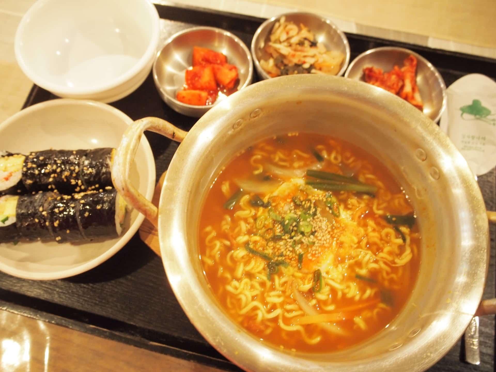 班家食工房 − 鶴橋コリアンタウンで韓国料理ランチ。安いのに美味でリピ必至