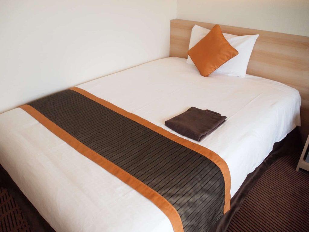 新横浜プリンスホテル レディースシングル レディースフロア 女性専用フロア セミダブル ベッド 部屋 客室 画像