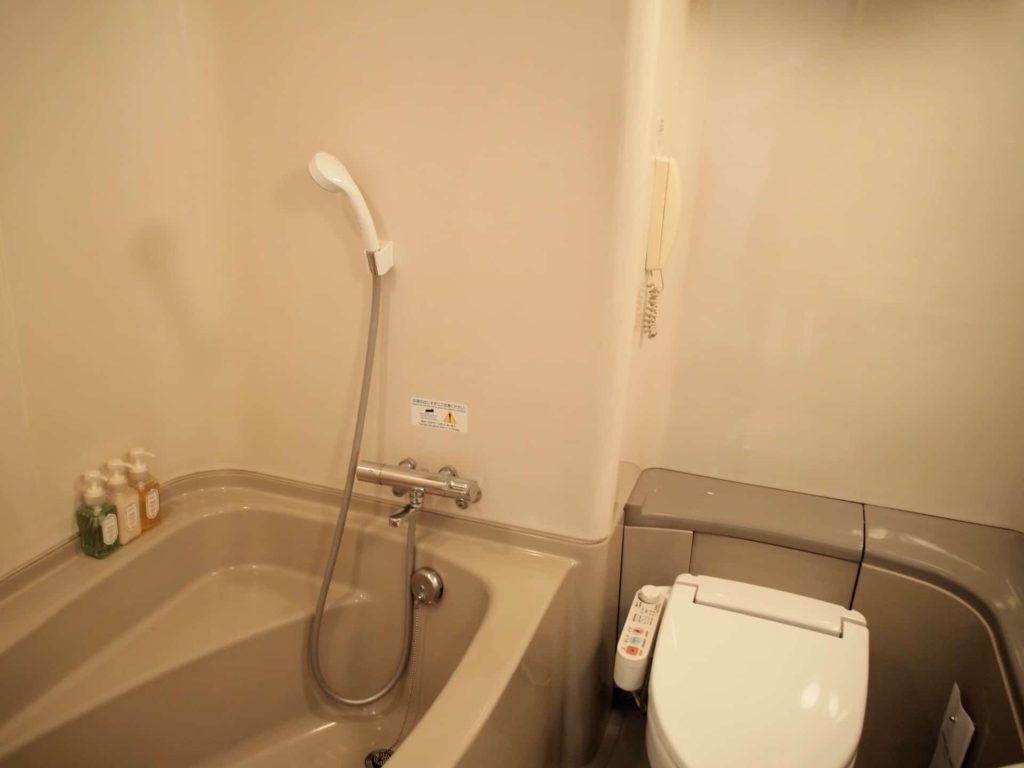 新横浜プリンスホテル レディースシングル レディースフロア 女性専用フロア アメニティ 部屋 客室 画像 バスルーム ユニットバス 風呂