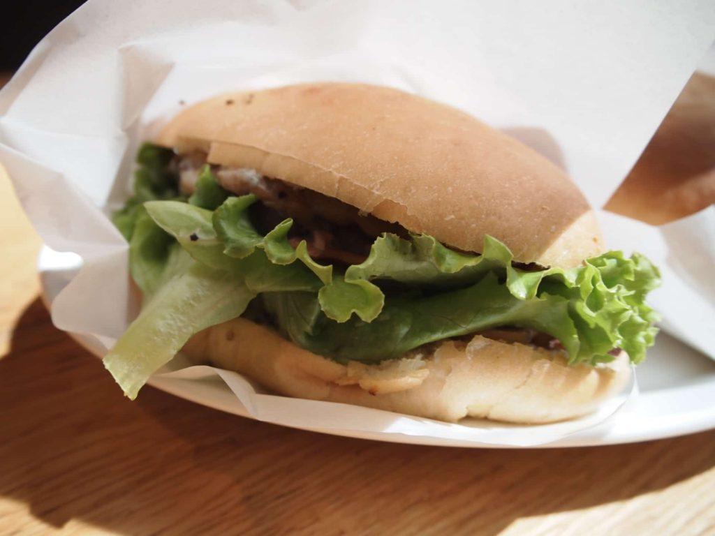 カフェベネ 羽田空港 第1ターミナル ドリンク メニュー フード マッシュルームとゴルゴンゾーラチーズのサンド