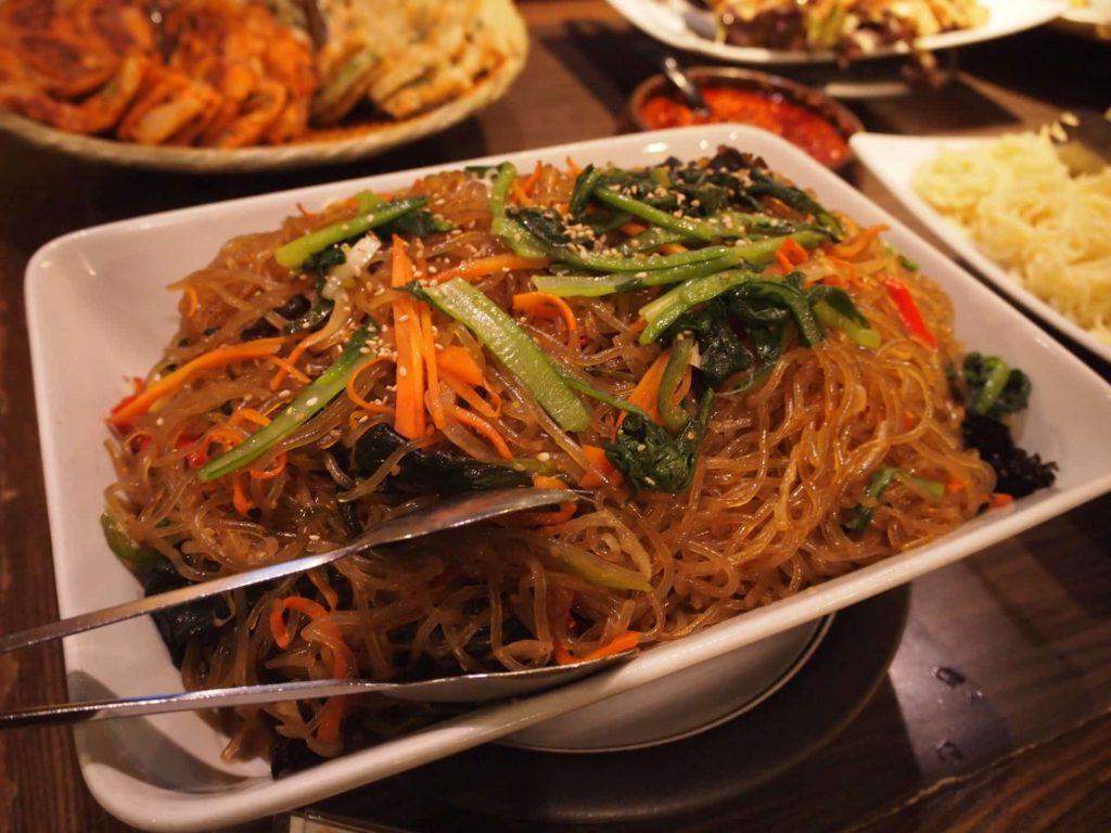 プングム 新大久保 ランチ 韓国料理 食べ放題 バイキング ビュッフェ メニュー チャプチェ