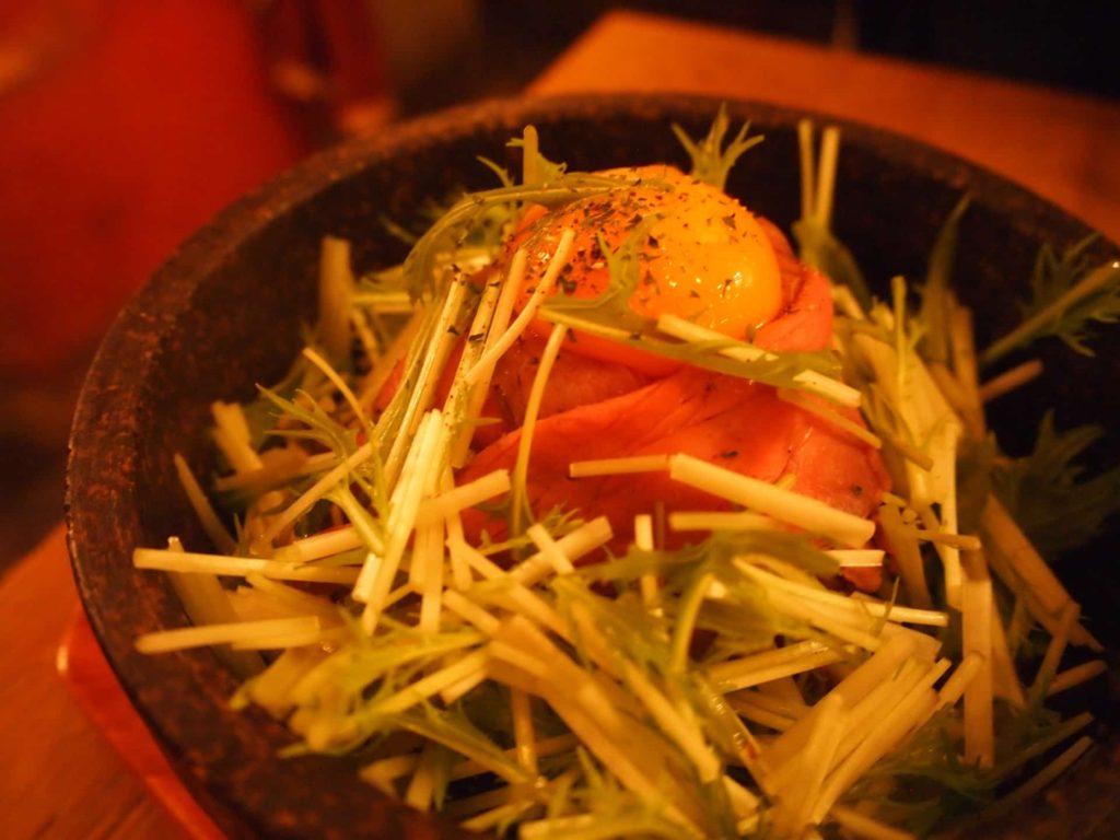 Solomons ソロモンズ 原宿 ランチ メニュー 石焼ローストビーフ丼