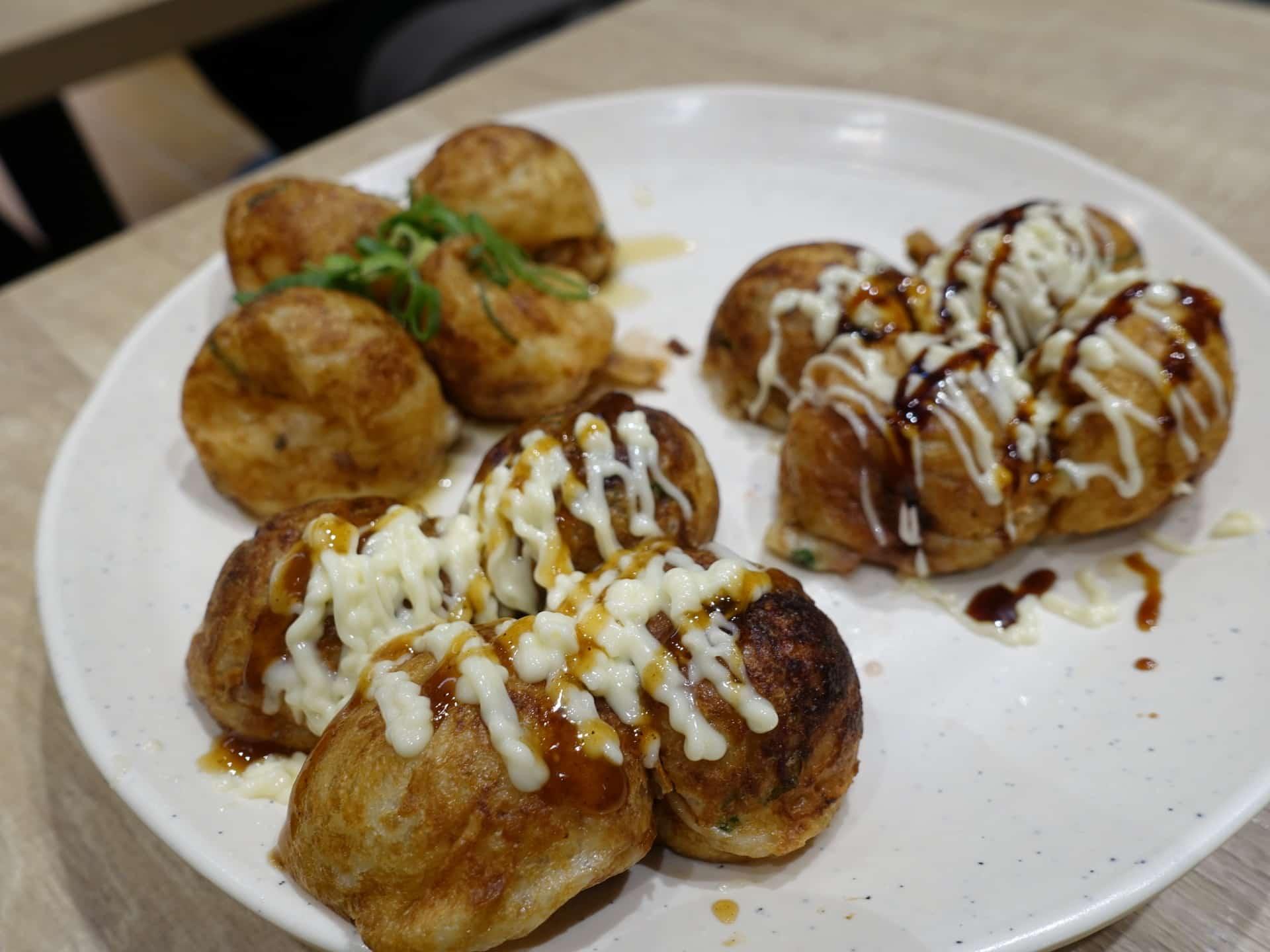 あべのたこやき やまちゃん ルクア店 − 大阪・梅田の中心で絶品たこ焼き!駅近で手軽に食べられるよ