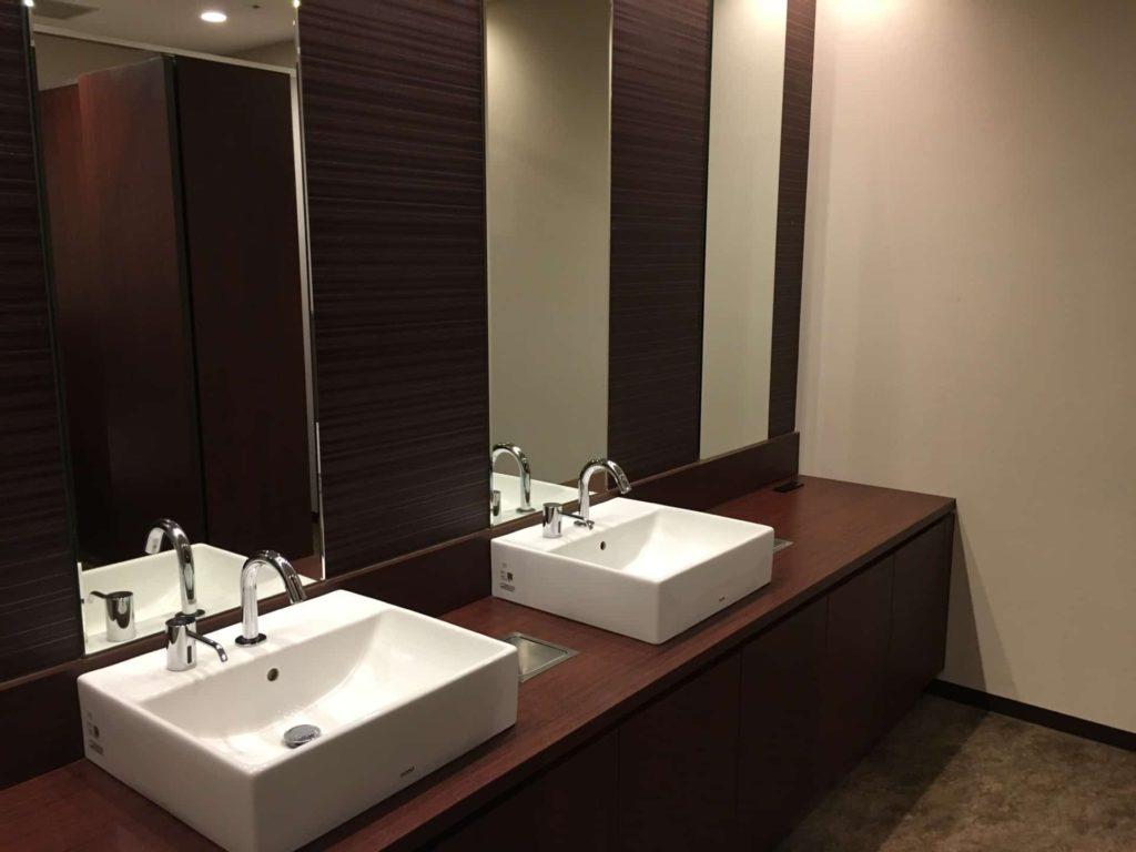 伊丹空港 カードラウンジ ラウンジオーサカ トイレ お手洗い