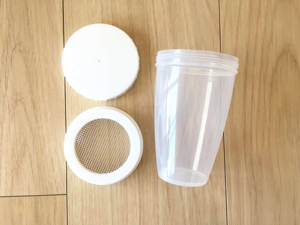 ダイソー 100均 小麦粉ふりふりストッカー 小麦粉 薄力粉 容器 ボトル 100円