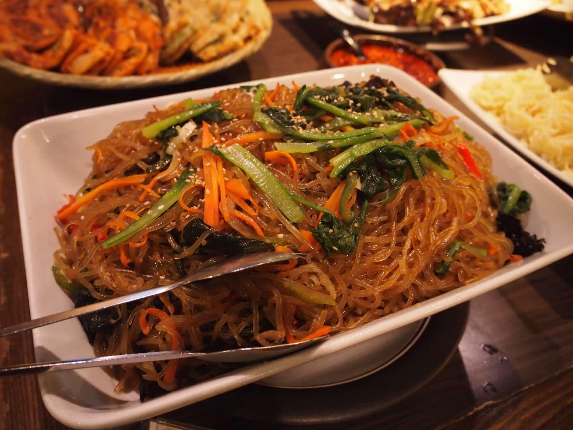 プングム − 新大久保で30種類の韓国料理食べ放題ランチ!1000円台でコスパ抜群
